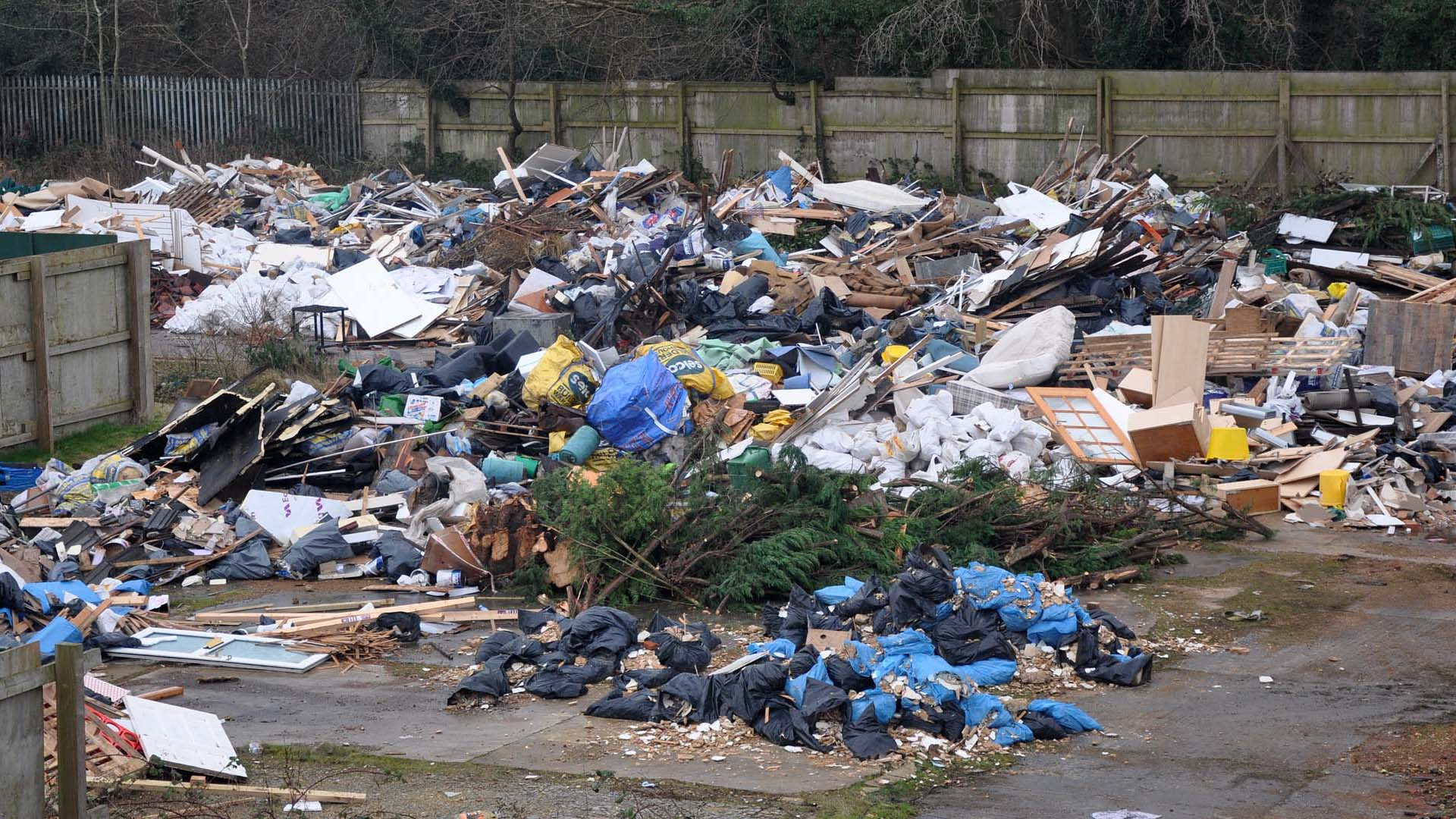 Travellers Return and bring Mass Fly Tipping